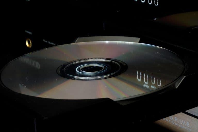 Nahaufnahme CD in Laufwerk