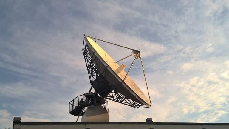 Gewerbliche Satellitenanlage