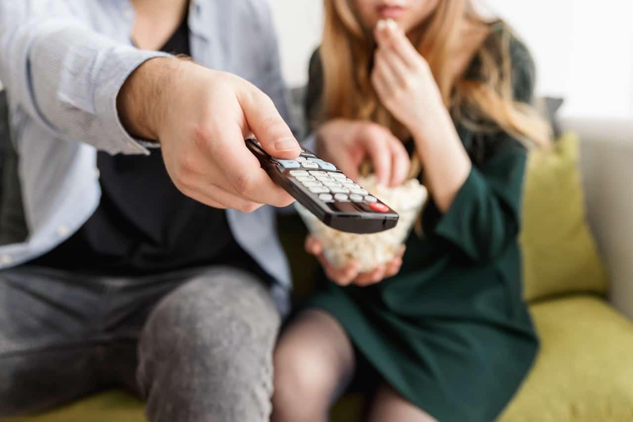 65 Zoll Fernseher: Test & Empfehlungen (07/20)