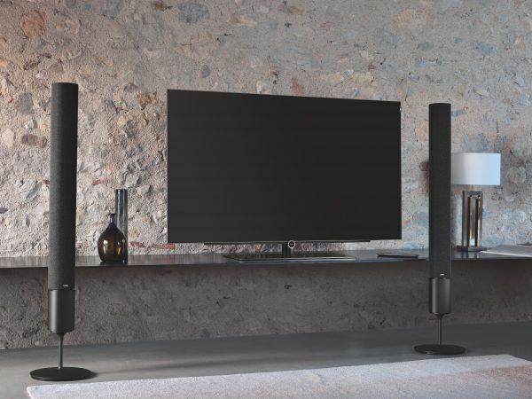 Fernseher besitzen heutzutage meistens HDMI-Anschlüsse. Falls dein Fernseher einen HDMI-Ausgang besitzt, sollte am besten dieser für die Canton Lautsprecher benutzt werden. <br />(Bildquelle: unsplash.com / Loewe Technologies)